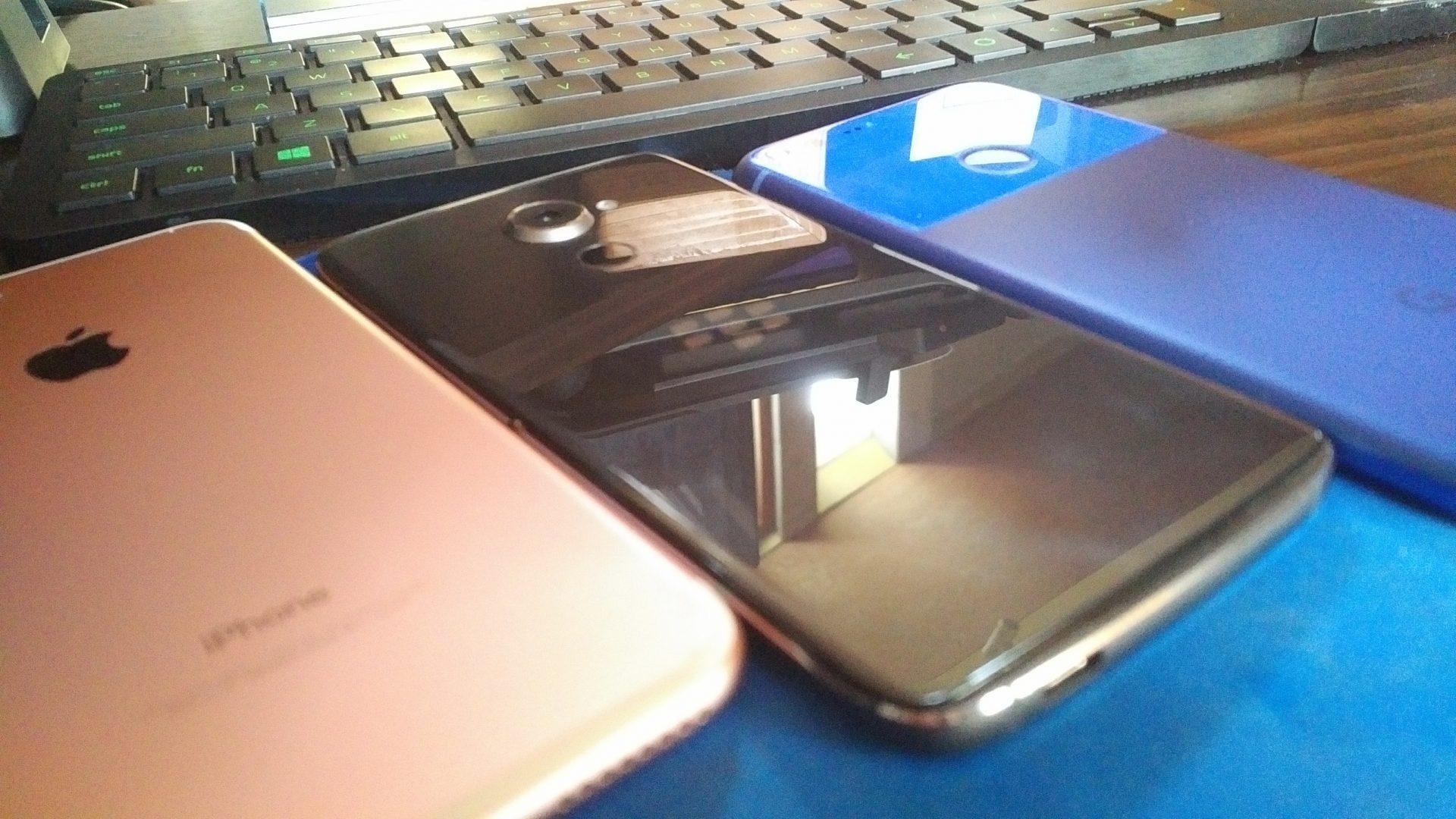 「BlackBerry DTEK60」はケースを付けてもリアカメラが出っ張る