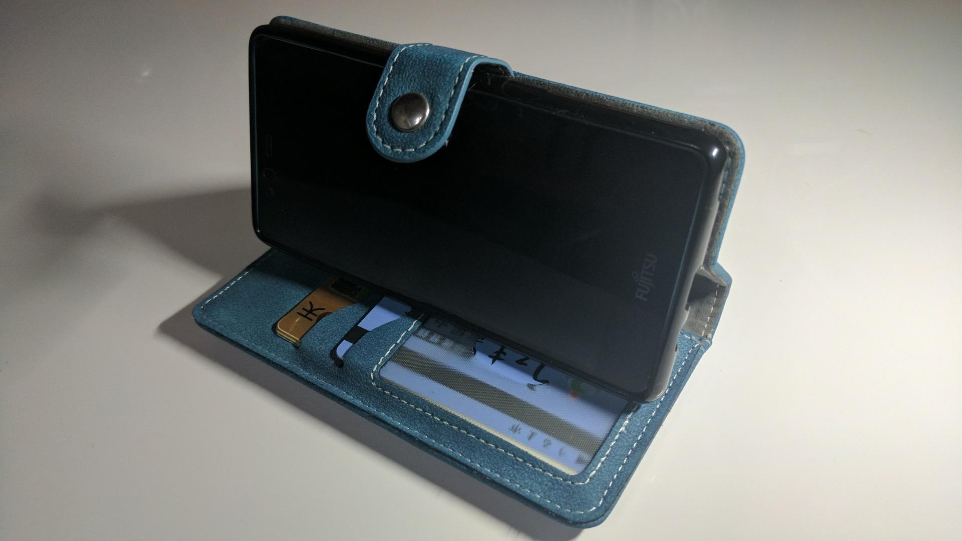 スライドカードポケットが便利な「arrows M03」用PLATAソフトレザーケースレビュー、お財布事情がガラッと変わりました