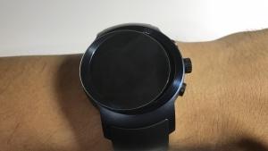 「LG Watch Sport」はガラスフィルムとの相性が悪そう、裸仕様をオススメします