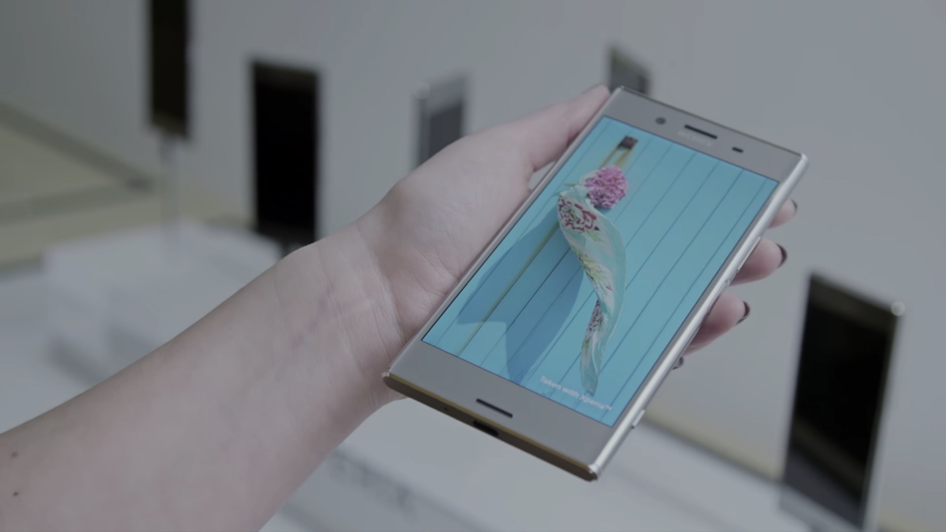 Sony Mobile、「Xperia XZ Premium」の公式ハンズオン動画を公開