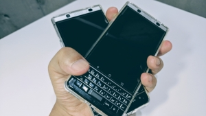 「BlackBerry KEYone」握りしめWIREDの記事を改め思う【コラム】