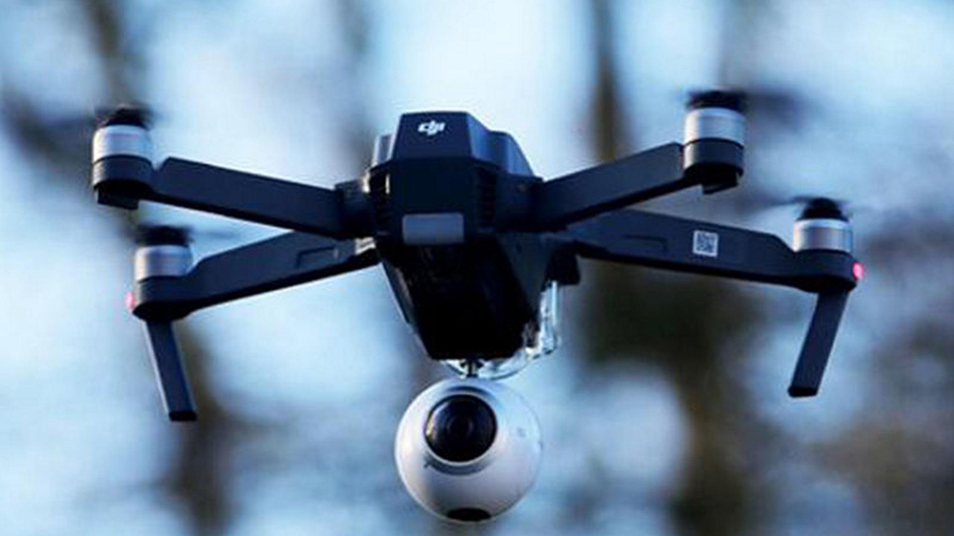 ドローンにVRカメラを装着するマウントを発見、「Mavic Pro」専用【コラム】