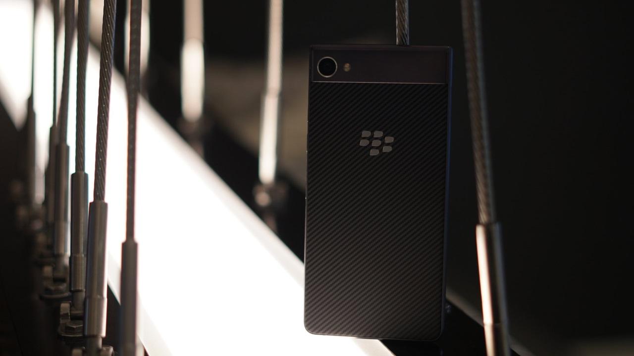 「BlackBerry Motion」のフルスペックが公開、初の防水対応に