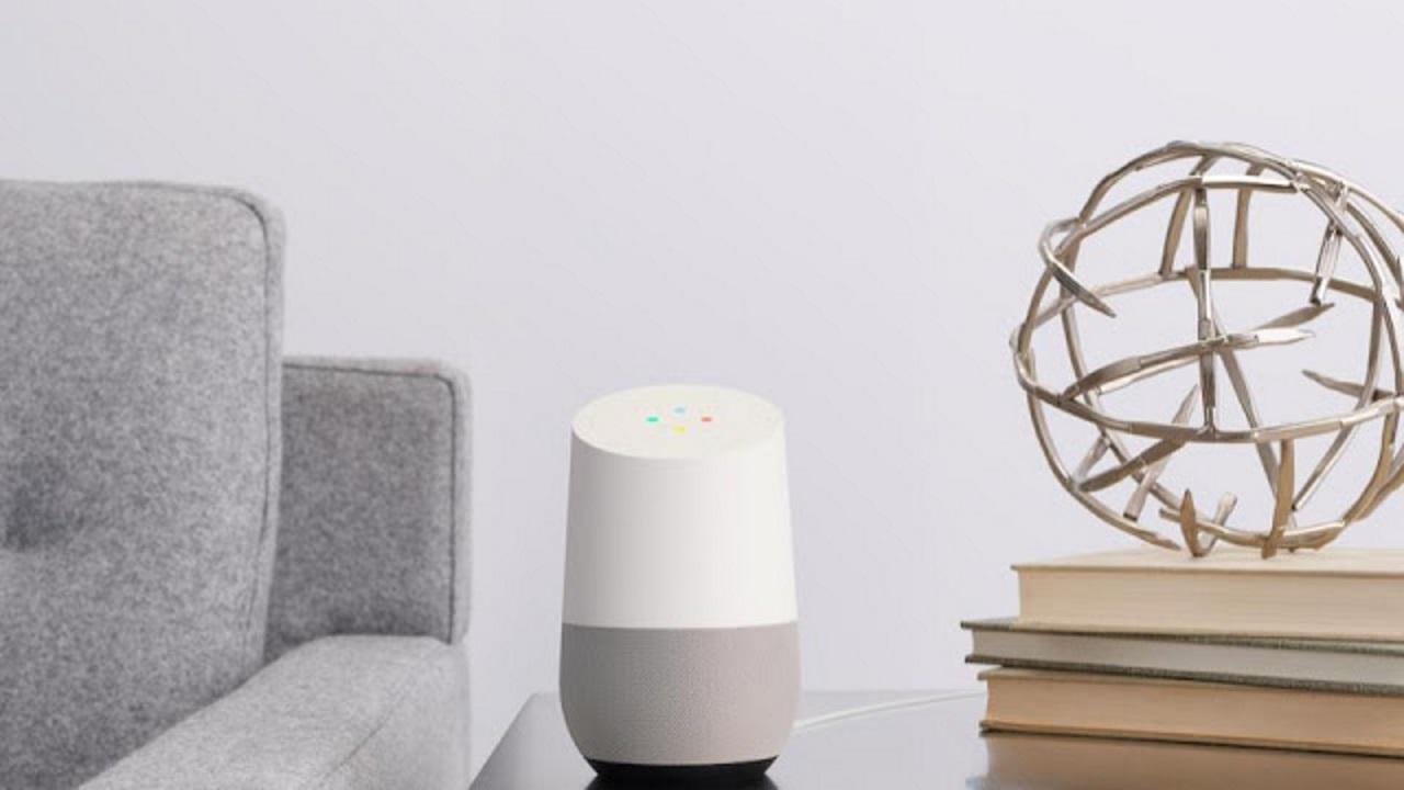 「Google Home」は10月6日、「Google Home Mini」は10月23日に発売
