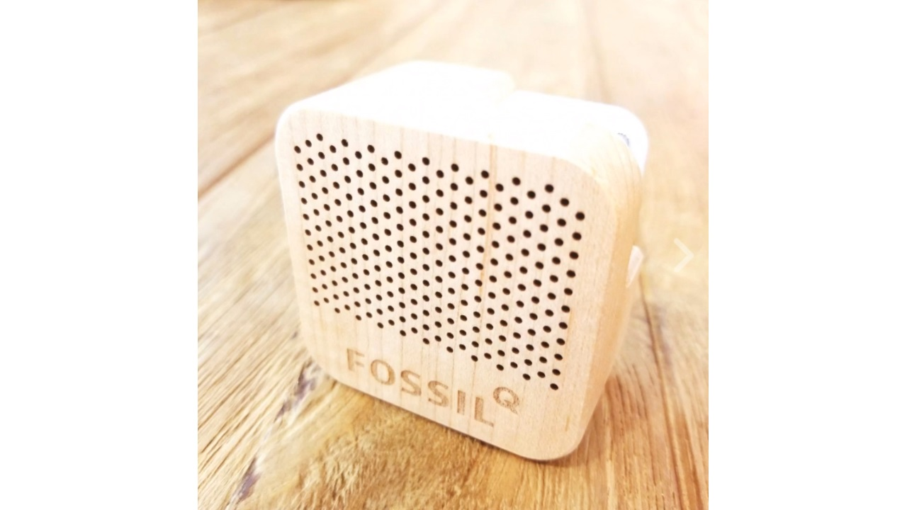 Fossil、「Q Explorist/Venture」購入でオリジナルBluetoothスピーカーをプレゼント