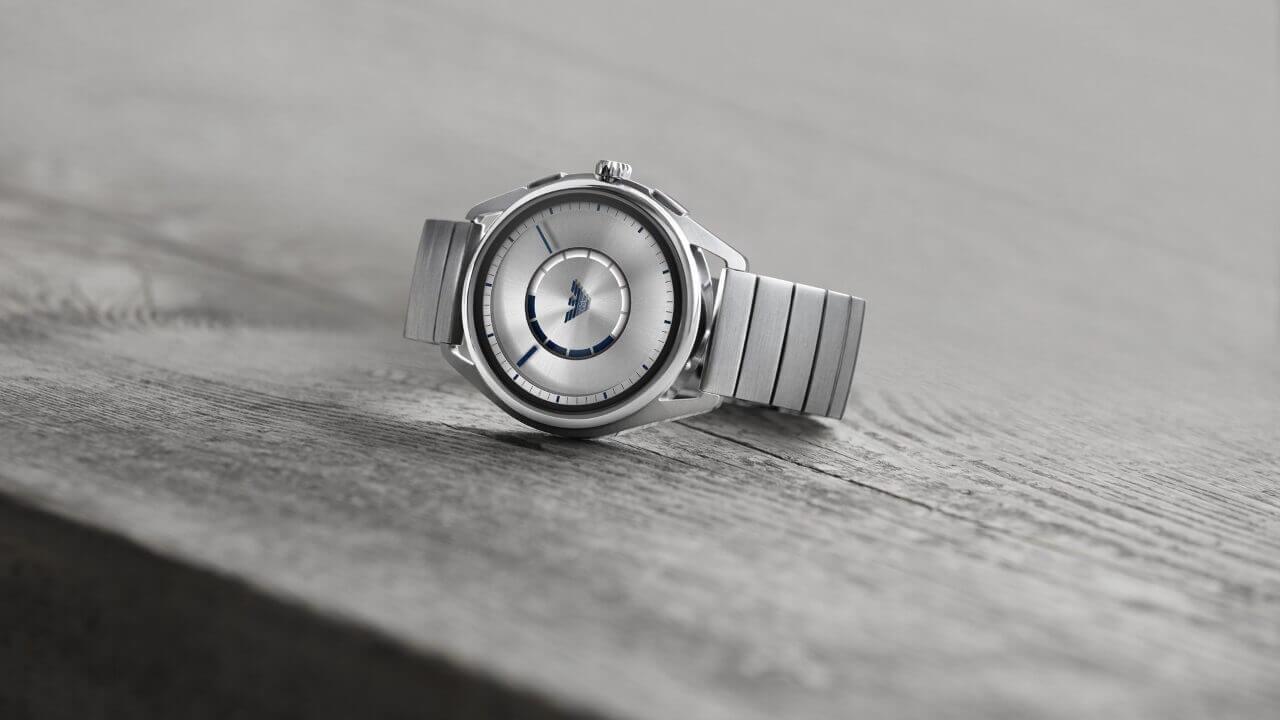 アルマーニが新型Wear OS「EMPORIO ARMANI CONNECTED」発表、国内予約も開始