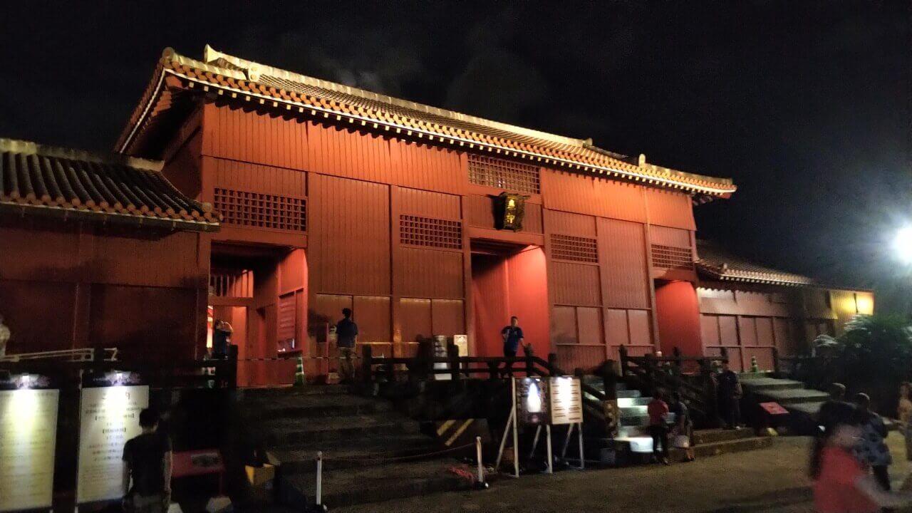 中秋の宴、夜の首里城を撮る【BlackBerry KEY2 レポート】