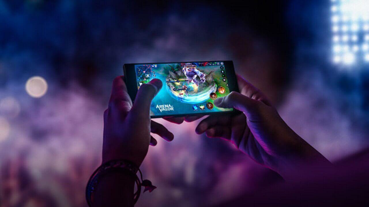 「Razer Phone」がクーポン利用で初の$300引き、米公式サイトにて