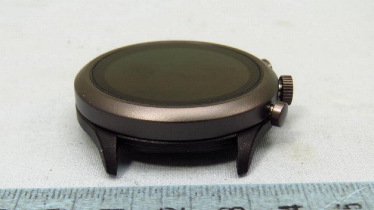 Misfit製3つボタン式Wear OSウォッチ「DW9B1」がFCCの認証を取得