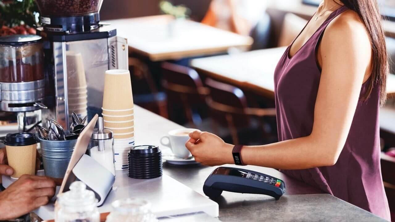 NFC決済「Fitbit Pay」国内提供開始!